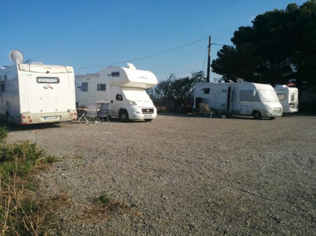 Aire camping-car à Mèze (34140) - Photo 3